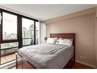 "Photo 4: 2902 928 HOMER Street in Vancouver: Yaletown Condo for sale in ""YALETOWN PARK"" (Vancouver West)  : MLS®# V1125187"