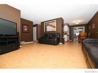 Photo 8: 1026 DOROTHY Street in Regina: Normanview West Single Family Dwelling for sale (Regina Area 02)  : MLS®# 544219