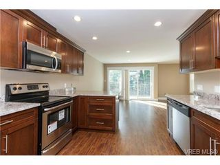 Photo 6: 106 990 Rattanwood Place in VICTORIA: La Happy Valley Townhouse for sale (Langford)  : MLS®# 355759