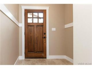 Photo 3: 106 990 Rattanwood Pl in VICTORIA: La Happy Valley Row/Townhouse for sale (Langford)  : MLS®# 711627
