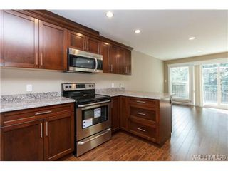 Photo 7: 106 990 Rattanwood Place in VICTORIA: La Happy Valley Townhouse for sale (Langford)  : MLS®# 355759