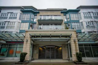 "Photo 1: 407 122 E 3RD Street in North Vancouver: Lower Lonsdale Condo for sale in ""SAUSALITO"" : MLS®# R2034423"