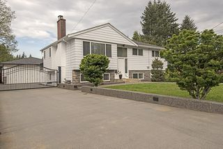 Photo 1: 682 WILMOT Street in Coquitlam: Central Coquitlam House for sale : MLS®# R2062598