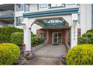 Photo 2: 201 5646 200 Street in Langley: Langley City Condo for sale : MLS®# R2075622