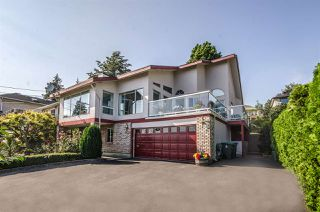 Photo 1: 13161 MARINE Drive in Surrey: Crescent Bch Ocean Pk. House for sale (South Surrey White Rock)  : MLS®# R2111207