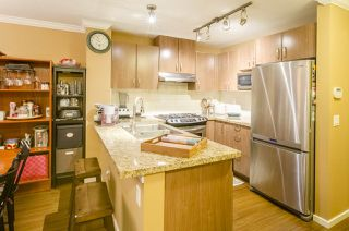 "Photo 5: 213 3082 DAYANEE SPRINGS Boulevard in Coquitlam: Westwood Plateau Condo for sale in ""LANTERNS"" : MLS®# R2127277"