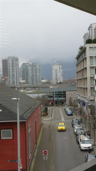 Photo 7: 505 88 1ST AVENUE in Vancouver West: False Creek Home for sale ()  : MLS®# R2037933