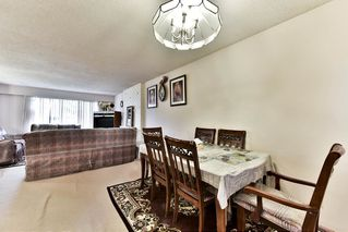 Photo 7: 9285 MONKLAND Place in Surrey: Bear Creek Green Timbers House for sale : MLS®# R2156937