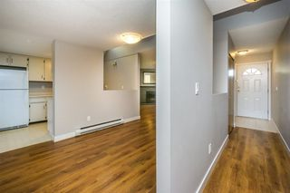 Photo 5: 2218 WILLOUGHBY Way in Langley: Home for sale : MLS®# R2112941