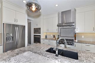 Photo 8: 13 WEST GROVE Point(e) SW in Calgary: West Springs House for sale : MLS®# C4123128