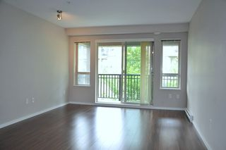 "Photo 8: 415 3156 DAYANEE SPRINGS Boulevard in Coquitlam: Westwood Plateau Condo for sale in ""TAMARACK"" : MLS®# R2193860"