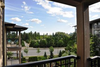 "Photo 14: 415 3156 DAYANEE SPRINGS Boulevard in Coquitlam: Westwood Plateau Condo for sale in ""TAMARACK"" : MLS®# R2193860"