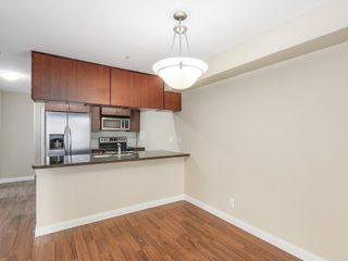 Photo 7: 103 5516 198 Street in Langley: Langley City Condo for sale : MLS®# R2194911