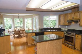 "Photo 4: 15 PARKGLEN Place in Port Moody: Heritage Mountain House for sale in ""HERITAGE MOUNTAIN"" : MLS®# R2207752"