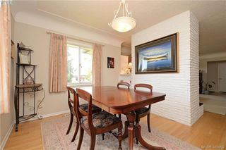 Photo 7: 2925 Eastdowne Road in VICTORIA: OB Henderson Single Family Detached for sale (Oak Bay)  : MLS®# 383662
