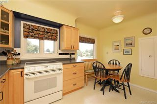 Photo 9: 2925 Eastdowne Road in VICTORIA: OB Henderson Single Family Detached for sale (Oak Bay)  : MLS®# 383662