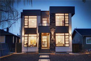 Photo 2: 416 28 AV NW in Calgary: Mount Pleasant House for sale : MLS®# C4142854