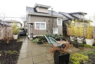 Photo 16: 332 E 37TH AVENUE in Vancouver: Main House for sale (Vancouver East)  : MLS®# R2234806