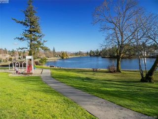 Photo 18: 916 Yarrow Pl in VICTORIA: Es Kinsmen Park House for sale (Esquimalt)  : MLS®# 780418