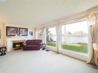 Photo 10: 916 Yarrow Pl in VICTORIA: Es Kinsmen Park House for sale (Esquimalt)  : MLS®# 780418