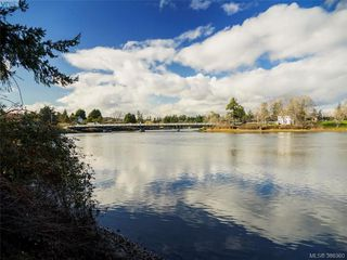 Photo 6: 916 Yarrow Pl in VICTORIA: Es Kinsmen Park House for sale (Esquimalt)  : MLS®# 780418