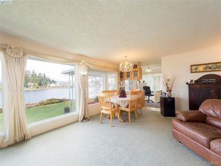 Photo 12: 916 Yarrow Pl in VICTORIA: Es Kinsmen Park House for sale (Esquimalt)  : MLS®# 780418