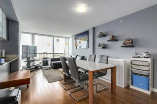 "Photo 5: 1606 3333 CORVETTE Way in Richmond: West Cambie Condo for sale in ""Wall Center Richmond"" : MLS®# R2250621"