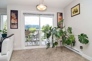 """Photo 1: 305 46150 BOLE Avenue in Chilliwack: Chilliwack N Yale-Well Condo for sale in """"THE NEWMARK"""" : MLS®# R2277832"""