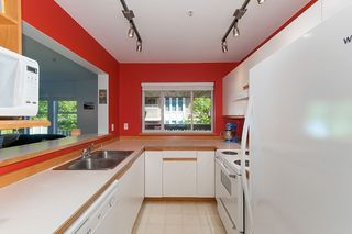"Photo 12: E204 623 W 14TH Avenue in Vancouver: Fairview VW Condo for sale in ""CONNAUGHT ESTATES"" (Vancouver West)  : MLS®# R2290311"