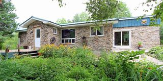 Photo 1: 36 Raven Lake Road in Kawartha Lakes: Rural Bexley House (Bungalow) for sale : MLS®# X4215934