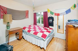 """Photo 9: 2589 E 15TH Avenue in Vancouver: Renfrew Heights House for sale in """"Renfrew Heights"""" (Vancouver East)  : MLS®# R2302029"""