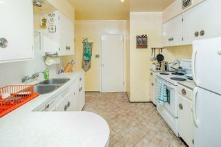 """Photo 4: 2589 E 15TH Avenue in Vancouver: Renfrew Heights House for sale in """"Renfrew Heights"""" (Vancouver East)  : MLS®# R2302029"""