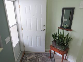 "Photo 2: 5 45640 STOREY Avenue in Sardis: Sardis West Vedder Rd Townhouse for sale in ""WHISPERING PINES"" : MLS®# R2306187"