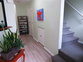 "Photo 3: 5 45640 STOREY Avenue in Sardis: Sardis West Vedder Rd Townhouse for sale in ""WHISPERING PINES"" : MLS®# R2306187"