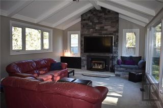 Photo 2: 66 Ruttan Bay in Winnipeg: East Fort Garry Residential for sale (1J)  : MLS®# 1828061