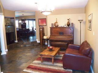 Photo 8: 246 Greenoch Crescent NW in Edmonton: Zone 29 House for sale : MLS®# E4135518