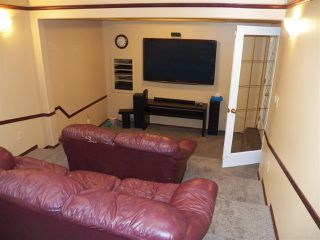Photo 9: 246 Greenoch Crescent NW in Edmonton: Zone 29 House for sale : MLS®# E4135518