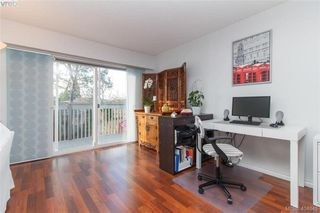 Photo 3: 15 4391 Torquay Dr in VICTORIA: SE Gordon Head Row/Townhouse for sale (Saanich East)  : MLS®# 804063
