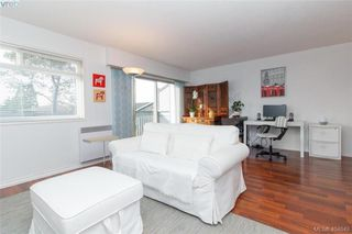 Photo 2: 15 4391 Torquay Dr in VICTORIA: SE Gordon Head Row/Townhouse for sale (Saanich East)  : MLS®# 804063