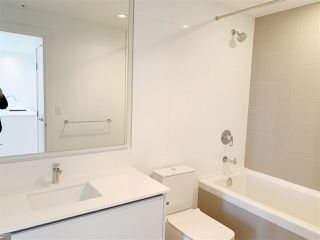 """Photo 9: 4709 4670 ASSEMBLY Way in Burnaby: Metrotown Condo for sale in """"STATION SQUARE 2"""" (Burnaby South)  : MLS®# R2336206"""
