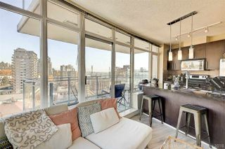 "Photo 2: 2006 888 CARNARVON Street in New Westminster: Downtown NW Condo for sale in ""MARINUS"" : MLS®# R2338912"
