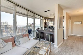 "Photo 3: 2006 888 CARNARVON Street in New Westminster: Downtown NW Condo for sale in ""MARINUS"" : MLS®# R2338912"