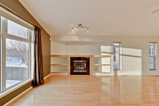 Photo 11: 2330 TAYLOR Close in Edmonton: Zone 14 House for sale : MLS®# E4143058