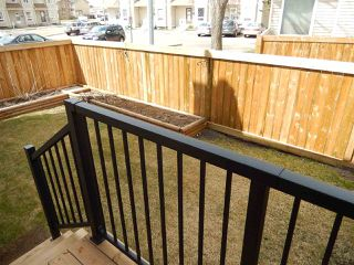 Photo 3: 427 DUNLUCE Road in Edmonton: Zone 27 Townhouse for sale : MLS®# E4143891