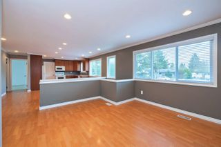 Photo 9: 15236 FLAMINGO Place in Surrey: Bolivar Heights House for sale (North Surrey)  : MLS®# R2348989