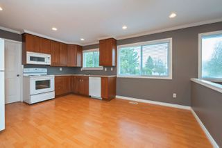 Photo 2: 15236 FLAMINGO Place in Surrey: Bolivar Heights House for sale (North Surrey)  : MLS®# R2348989