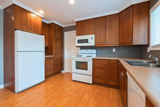 Photo 3: 15236 FLAMINGO Place in Surrey: Bolivar Heights House for sale (North Surrey)  : MLS®# R2348989