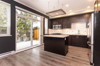 """Photo 7: 27 2929 156 Street in Surrey: Grandview Surrey Townhouse for sale in """"TOCCATA"""" (South Surrey White Rock)  : MLS®# R2360560"""
