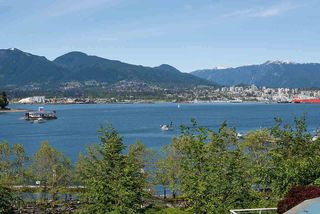 "Photo 2: 401 1169 W CORDOVA Street in Vancouver: Coal Harbour Condo for sale in ""ONE HARBOUR GREEN"" (Vancouver West)  : MLS®# R2368239"