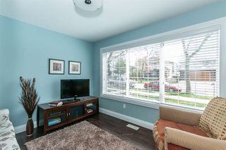 Photo 4: 10724 72 Avenue in Edmonton: Zone 15 House Half Duplex for sale : MLS®# E4156431